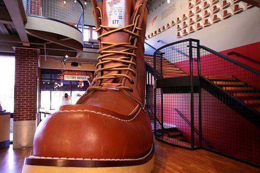 640px-Red_Wing_Shoe_Boot_Factory_32
